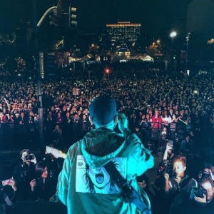#IDENTITYLA was 10k+ strong on the steps of LA CITY HALL. THANK YOU LA, THANK YOU Mike Shinoda 박재범 Jay Park (AOM) and all the artists for inspiring our identity tonight and blessing our stage.