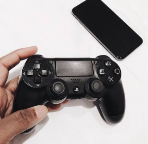 What's your favourite tech to lounge around with? /// Tag a gamer and follow me on the Kewe app (download at kewe.co). My username is @ Jacob