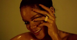 Behind the scenes with Chopard!  #RihannaLovesChopard