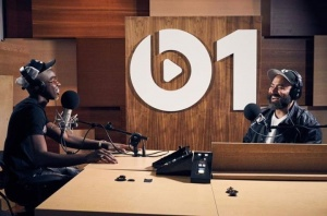 I stopped by the Beats 1 New York studio in the middle of my first US tour. Thanks to Ebro Darden. Listen the interview : apple.co/beats1mhd