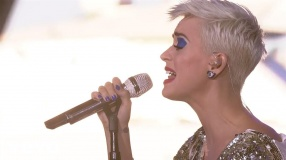 Katy Perry - Part Of Me (Live On The World Famous Rooftop, Sydney)