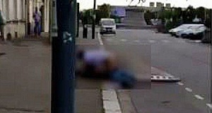 VIDEO - Cherbourg : Un couple filmé en train de faire l'amour sur le trottoir !