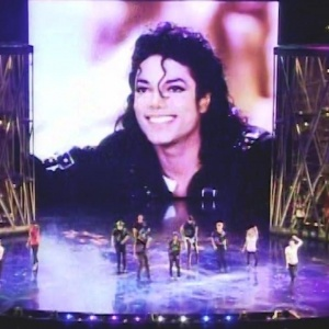 Every year on the King of Pop's birthday, the cast of Michael Jackson ONE creates a one of a kind performance as part of the afternoon festivities hosted at the theater for Michael's fans. #BOTDF2017