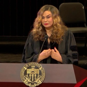 Today we honor mothers everywhere. Watch Tina Knowles Lawson's keynote address to students at USC: https://news.usc.edu/143040/tina-knowles-lawson-your-world-is-only-as-big-as-you-can-see/