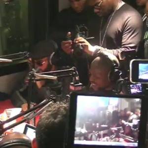 "[REPLAY] ""Ya rien"" Kery James feat. Niro en live dans Planète Rap."
