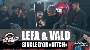 Lefa remet le single d'or à Vald pour