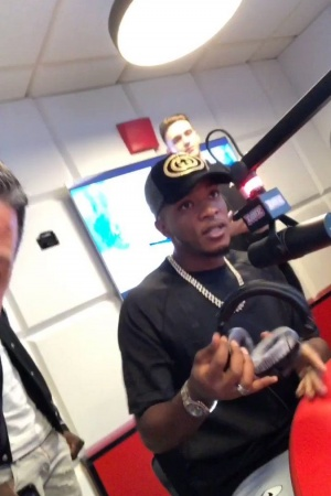 Arrivée de @Niska_Officiel dans le #MorningDeDifool !!! https://t.co/6cI9F1bGdo